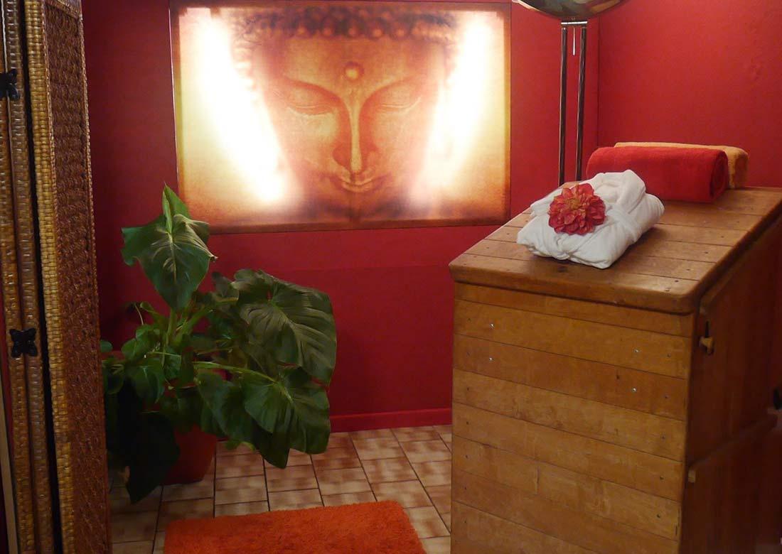 Ayurvedakuren-Medizin-Ayurvedapraxis_Saunabereich-mit-Buddha