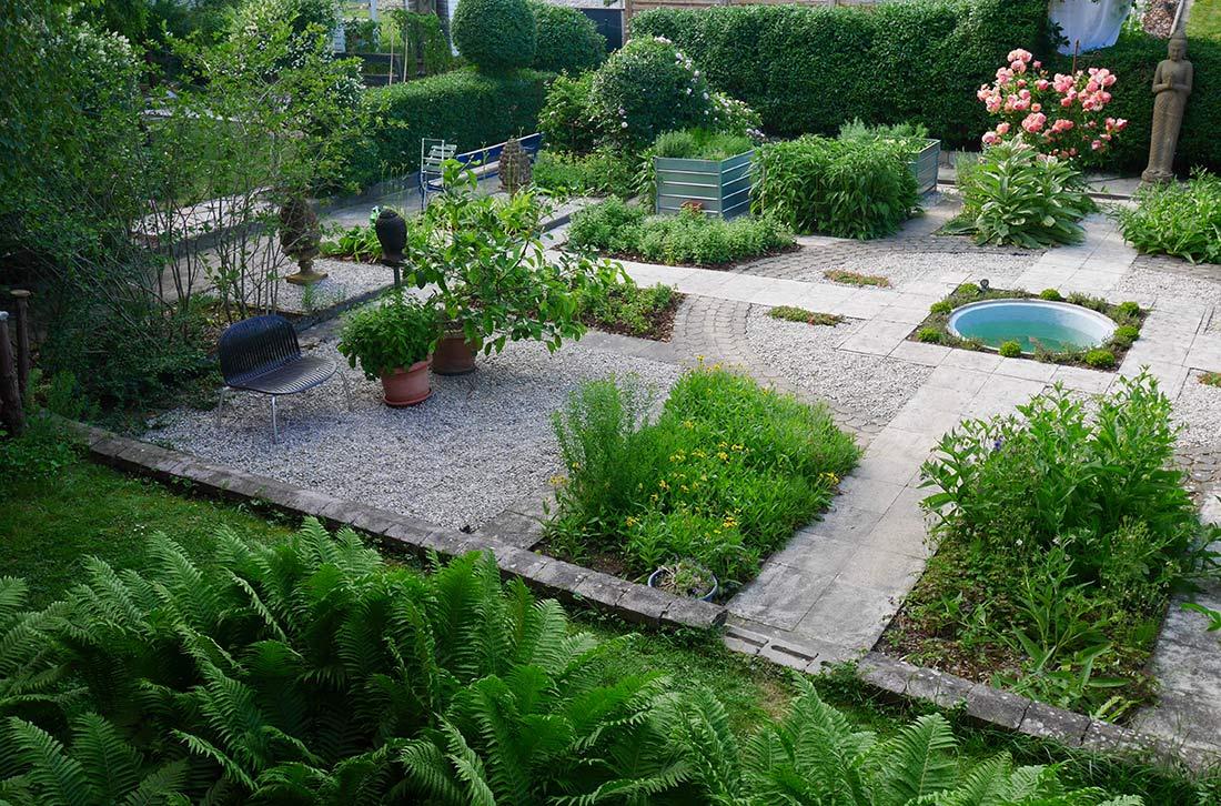 Ayurvedavilla-Ihr-zuhause-Garten_Heilkraeutergarten
